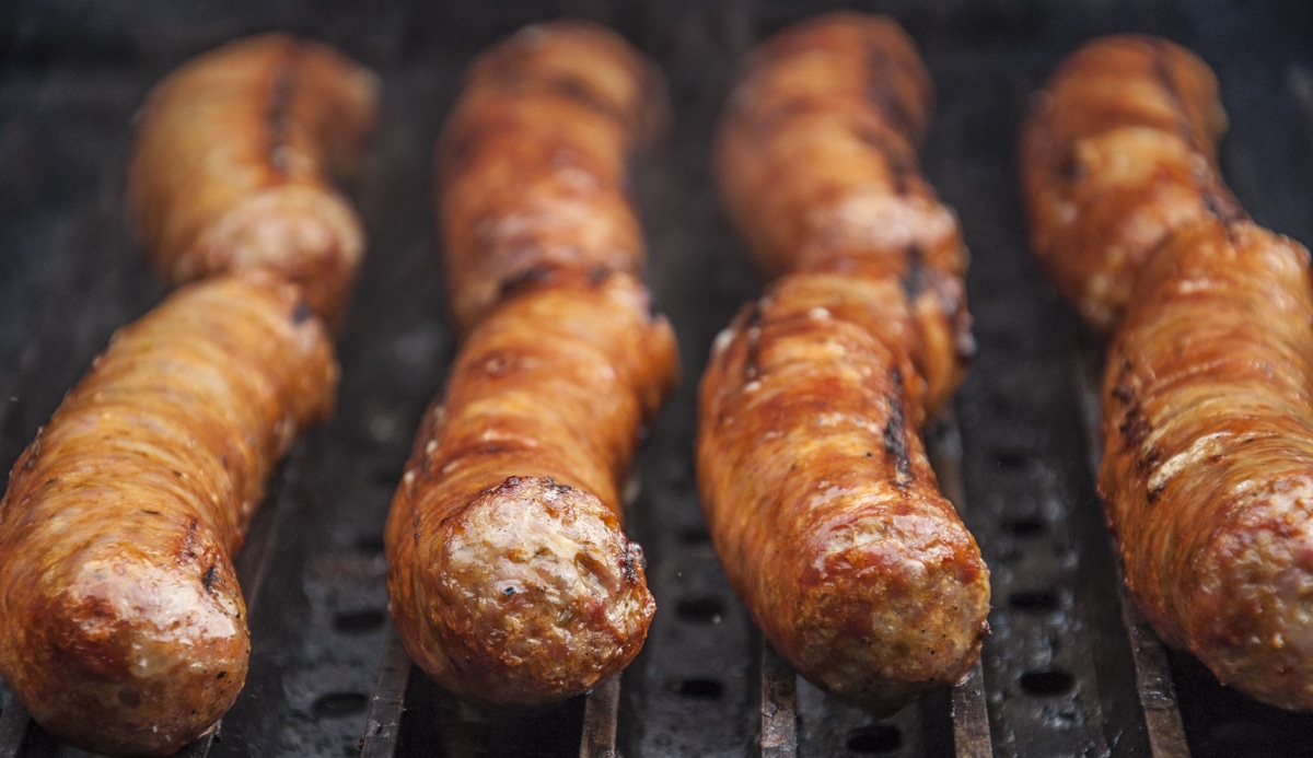 italian-sausages-on-grill