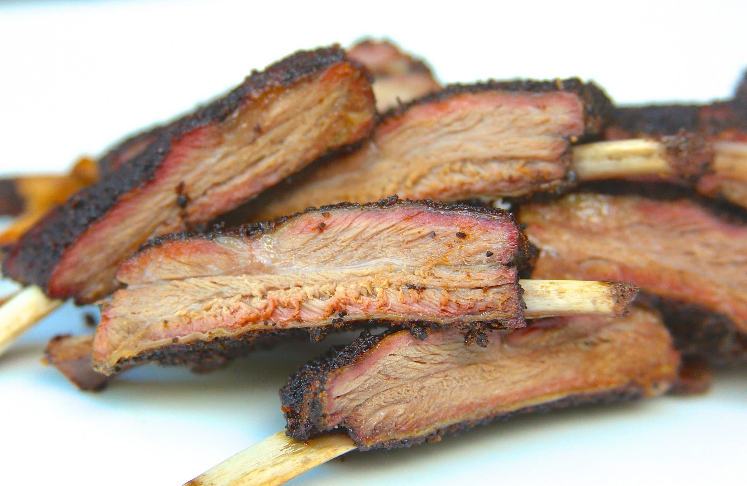 Sliced smoked venison ribs