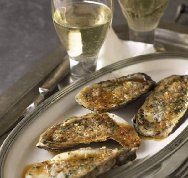 Grilled oysters in the shell