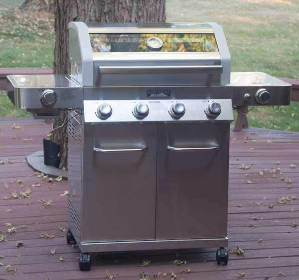 Monument Clearview 4-Burner Gas Grill