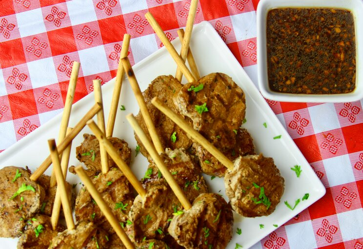 pork lollipops with dipping sauce